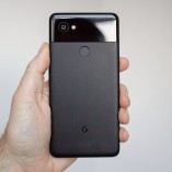 142468-phones-review-google-pixel-2-xl-black-image1-oq9fmu137f